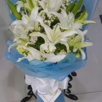 Lilium White Bouquet