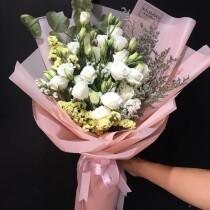 half bundle lisianthus white