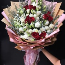 lesianthus 1dundle with red rose 1dozen